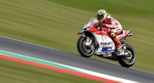Las Ducati meten miedo en Mugello con Iannone al frente