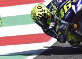 Rossi y Maverick ya trabajan juntos y pole del italiano