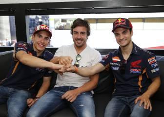 Sonrisa discreta de Alonso al presenciar la pole de Rossi