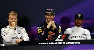 """Los pilotos de Mercedes """"sorprendidos"""" con Ricciardo"""