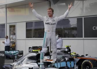 Victoria para Rosberg en Bakú y abandonos de Alonso y Sainz