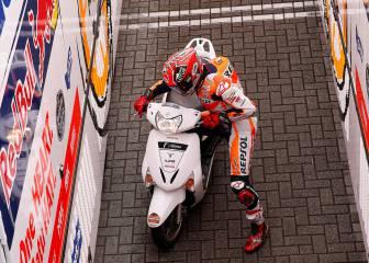 Pole de Dovizioso y Márquez se cae, 'roba' un scooter y es 4º