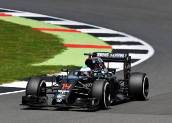 Alonso, a 3 décimas de Ferrari en el dominio de Hamilton