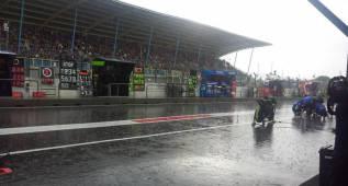 ¿Radio en MotoGP? Márquez vota que no y Rossi que sí