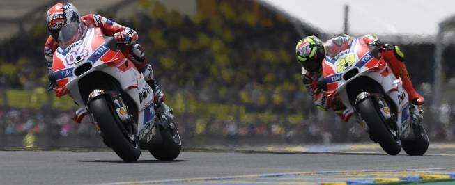 """Ducati anima a Lorenzo: """"No debe preocuparse por la moto"""""""