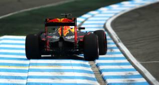 Verstappen se salió ¡catorce veces! en la misma curva