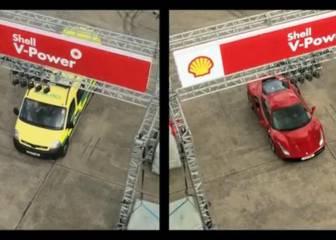 Vettel cambia por unas horas el Ferrari por una ambulancia