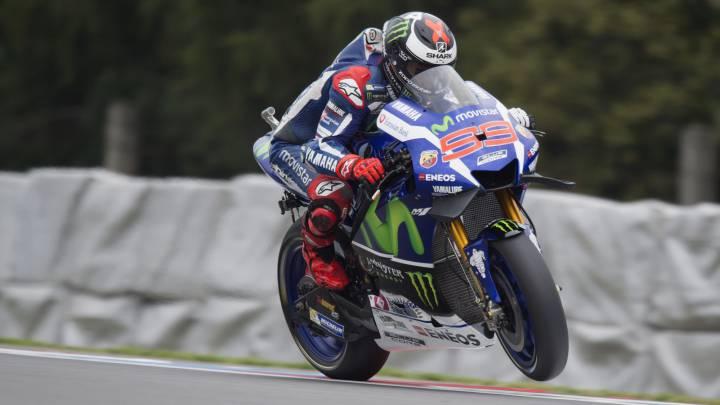 Brutal ataque final de Lorenzo ensayando para la pole de Brno