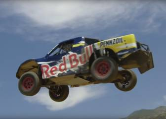 Red Bull: un salto de 101 metros al volante de... ¡Una camioneta!