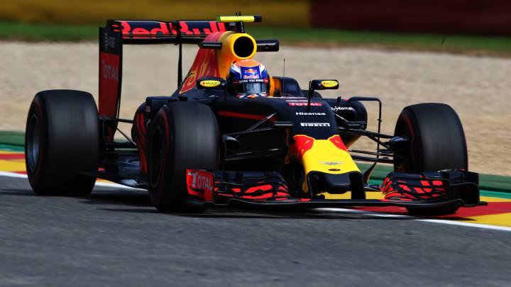 Verstappen brilla en casa; Alonso tras un Manor