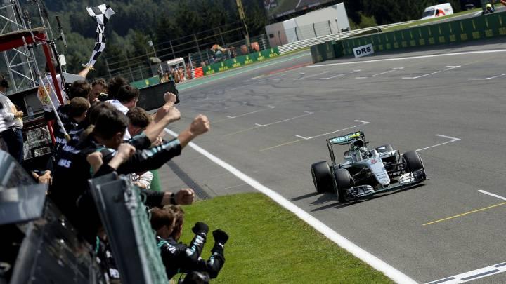 Mercedes: su botón mágico le da 3 décimas en calificación