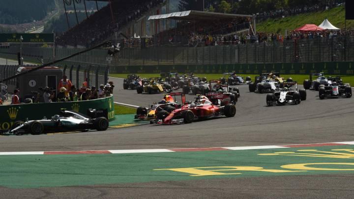 """Verstappen: """"Vettel y Raikkonen deberían estar avergonzados"""""""
