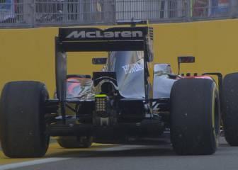 Problemas en McLaren: Button se paró en su primera vuelta