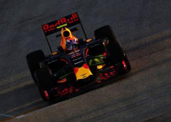 Manda Verstappen, brilla Sainz y Alonso, 11º y con problemas