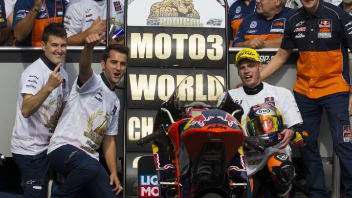 Victoria de Navarro y Binder se proclama campeón de Moto3