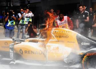 Renault en llamas en Sepang y Magnussen escapa de un salto