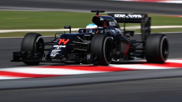 Alonso firma en Malasia el mejor viernes de la temporada