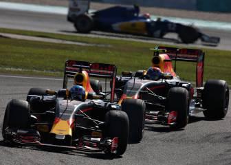 Red Bull presume de la lucha entre Ricciardo y Verstappen