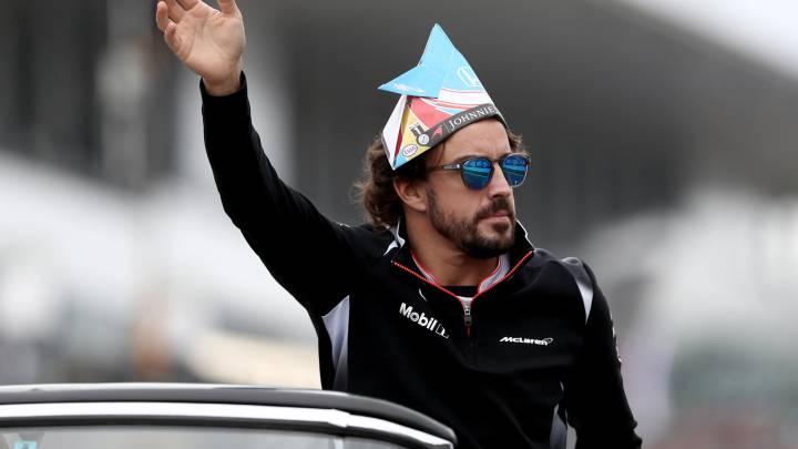 Alonso fue recibido como los 'Beatles' a las puertas de Suzuka