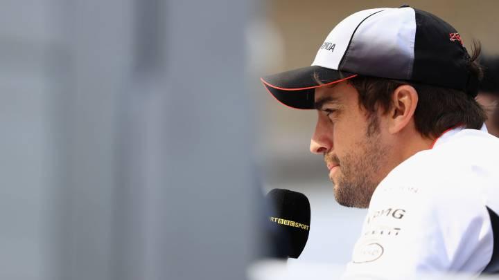Alonso elige a Ricciardo como el mejor... con un recado a Vettel
