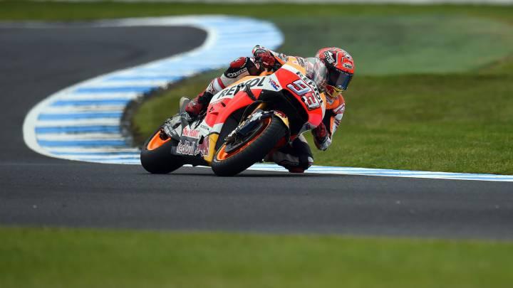 Márquez celebra el título con la pole en la debacle de Yamaha