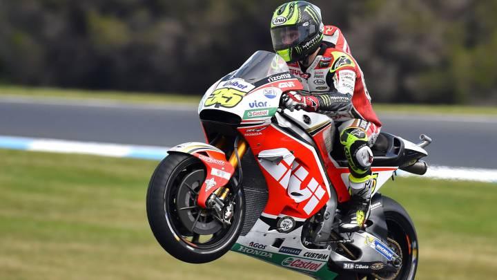 Crutchlow aprovecha la caída de Márquez y gana delante de Rossi.