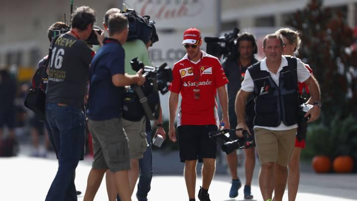 Red Bull niega que Vettel pueda regresar con ellos