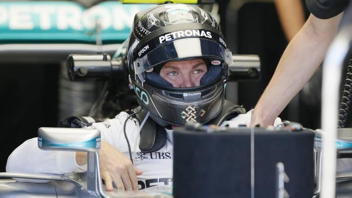Mercedes defiende a Rosberg contra el ataque de Ecclestone