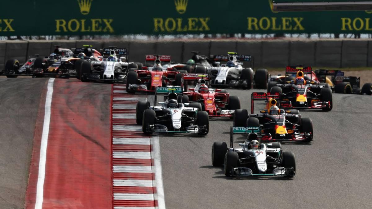 Hamilton gana y los españoles emocionan: Alonso 5º y Sainz 6º