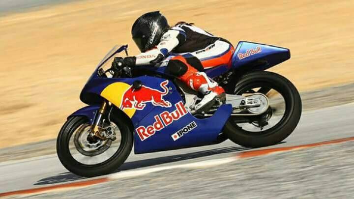 Beatriz Neila: la primera mujer en la Red Bull Rookies Cup