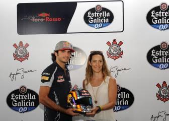 Sainz homenajea a Senna en el Arena Corinthians de Brasil
