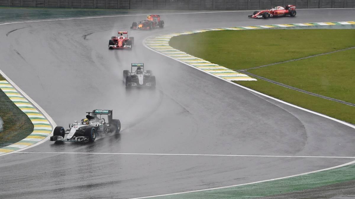 Resumen de la carrera del GP Brasil 2016 de F1 disputada en el circuito de Interlagos,13/11/2016, con victoria de Hamilton. Rosberg y Verstappen podio.