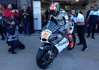 Bagnaia se da el lujo de darse nueve vueltas con una MotoGP