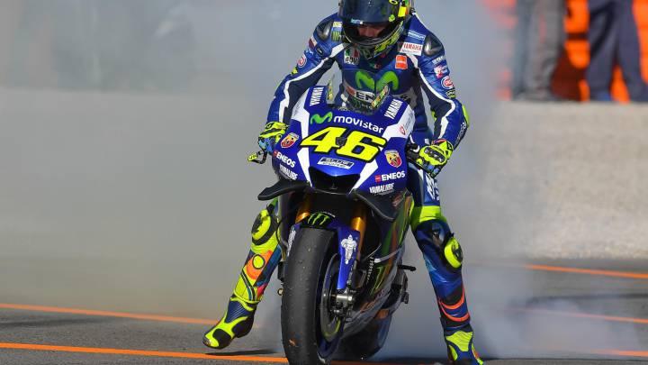 Rossi lidera al descanso con sólo 0.6 sobre un Lorenzo feliz