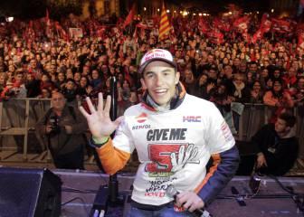 Márquez celebra sus cinco títulos: ¡'Give me five', Cervera!