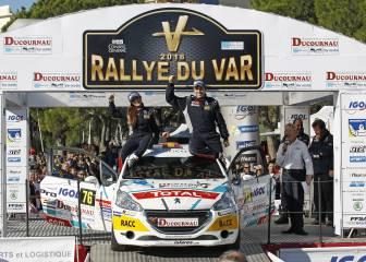Efrén Llarena culmina la temporada con su primera victoria en la 208 Rally Cup