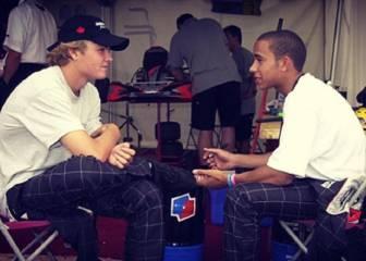 Hamilton hace las paces con Rosberg y le felicita por el título
