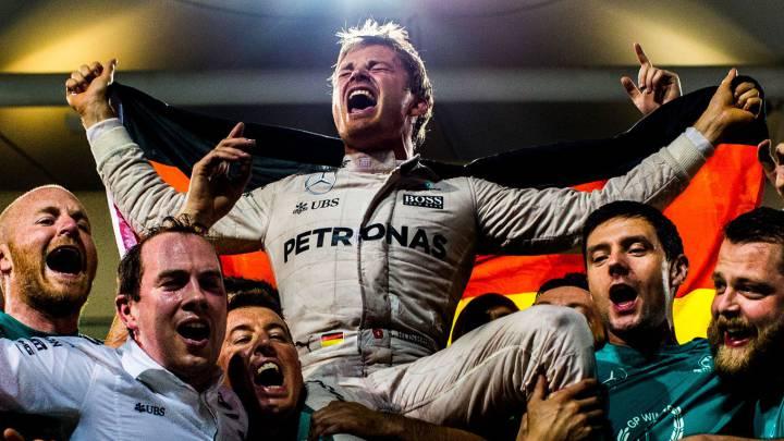 Nico Rosberg celebra en Abu Dhabi su título mundial.