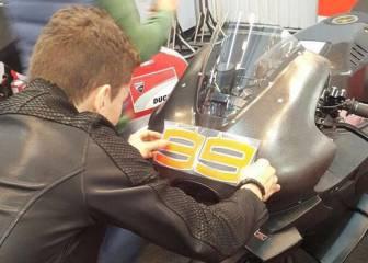 Lorenzo 'bautiza' su Ducati