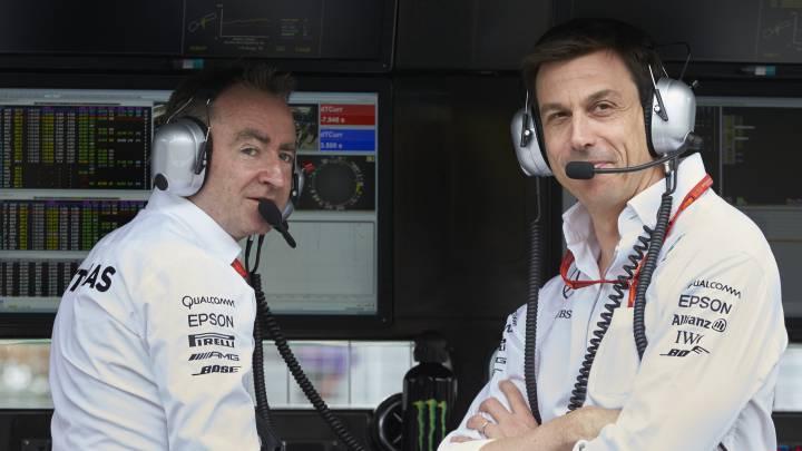 Paddy Lowe y Toto Wolff, de Mercedes.