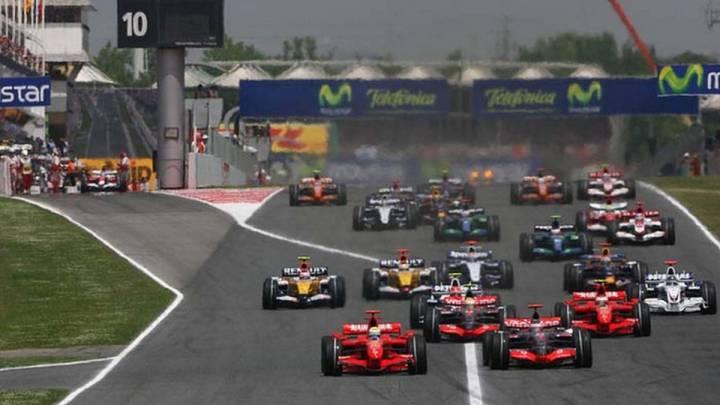 Salida del GP de España 2007, tercera carrera con más asistencia de la última década.