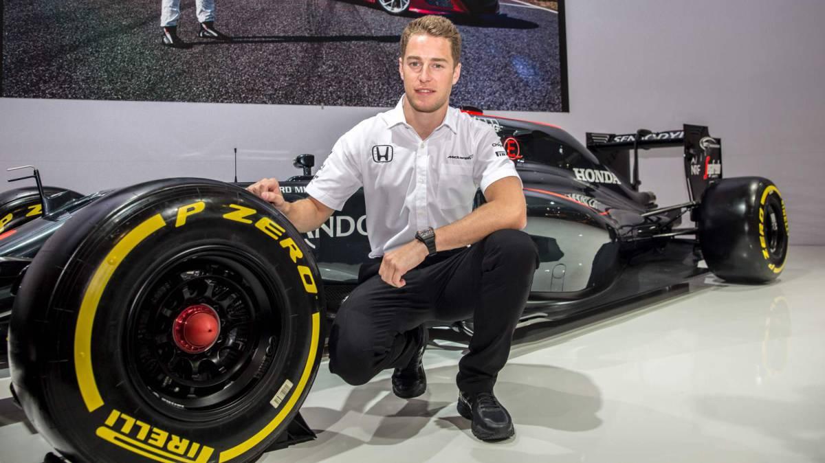 Stoffel Vandoorne, posa con el McLaren Honda.