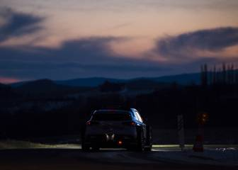 Thierry Neuville se coloca líder en una accidentada noche