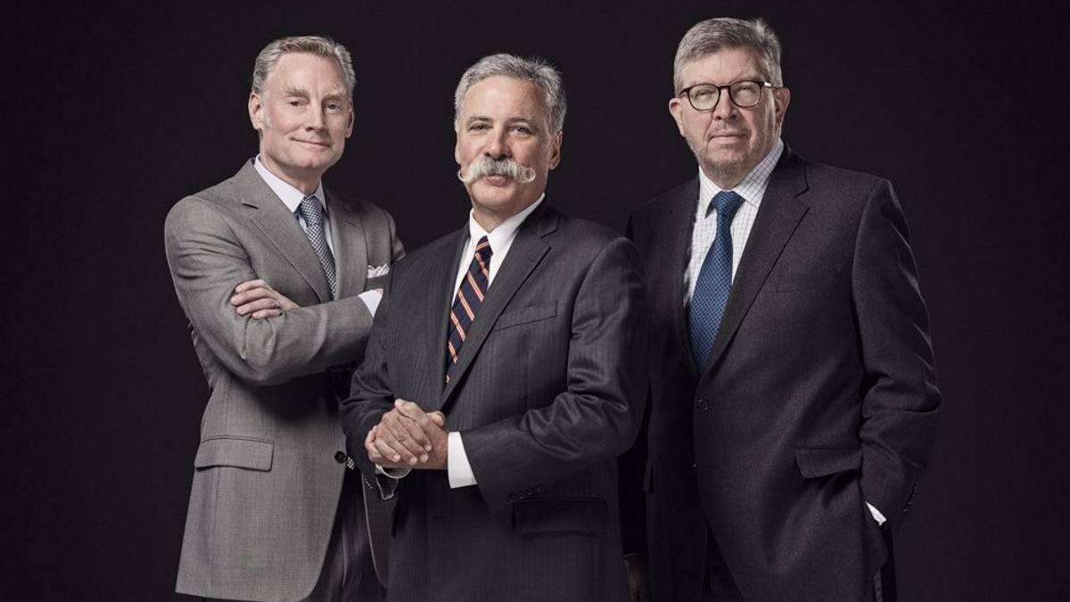 Sean Bratches, Chase Carey y Ross Brawn, el nuevo triunvirato que dirigirá la Fórmula 1.