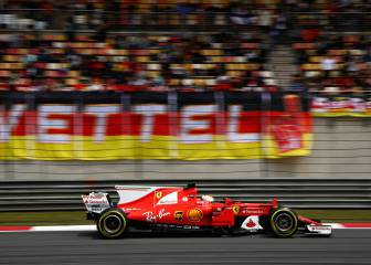 Vettel domina los libres de China, Alonso 17º y Sainz 10º