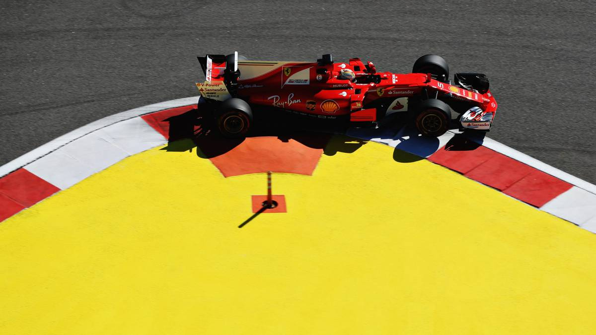 Ferrari domina en Rusia con Alonso 12º y Sainz 15º
