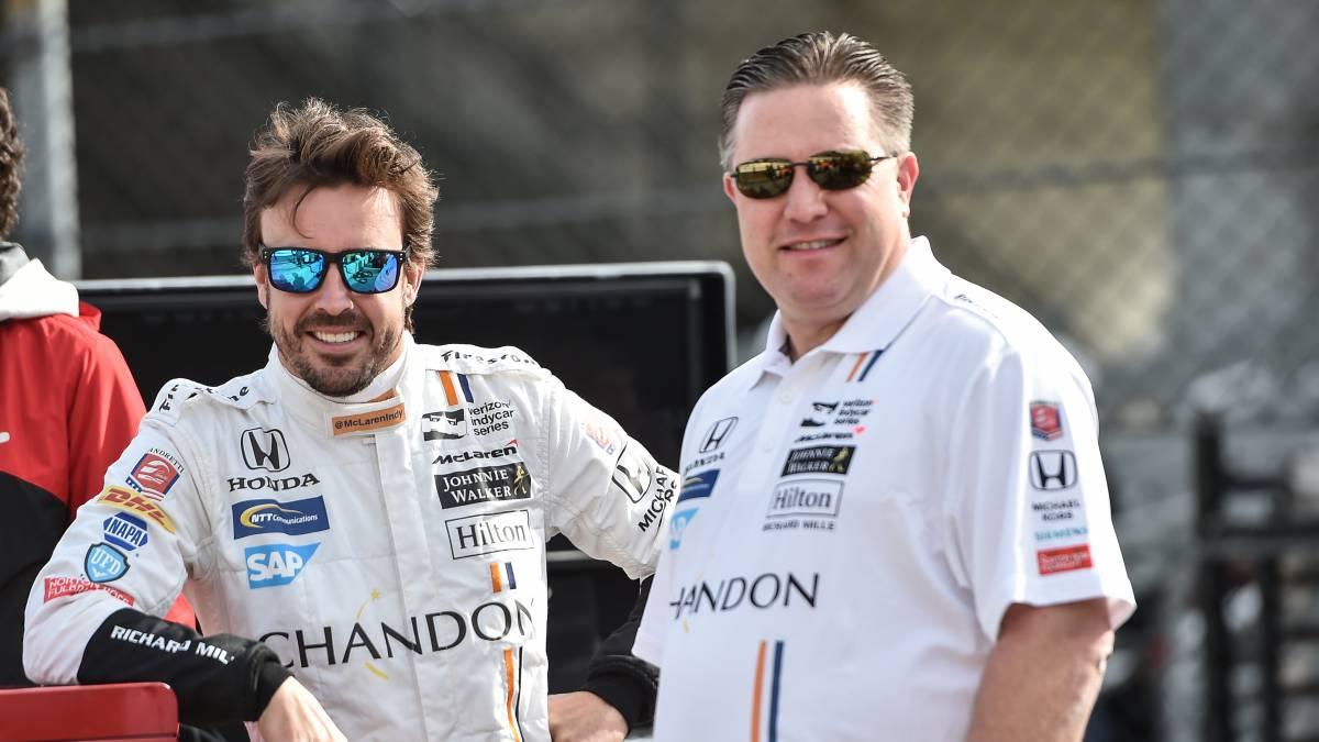 Hamilton ironiza sobre el puesto de Alonso en la Indy