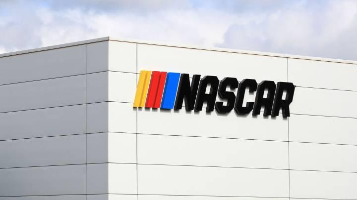 La NASCAR prepara su vuelta para el 17 de mayo.