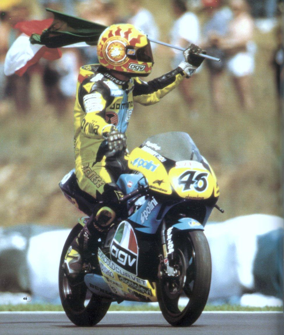 Primera victoria de Valentino Rossi en el mundial de motociclismo 125cc con Aprilia en Malasia en 1996