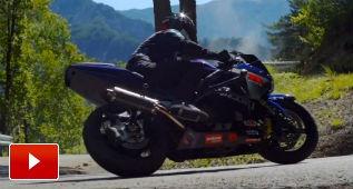 ¡A derrapar en moto!